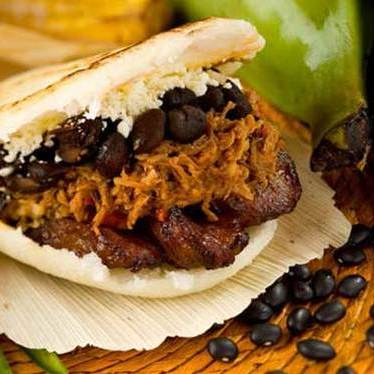 De Pabellón arepa at Caracas Arepa Bar