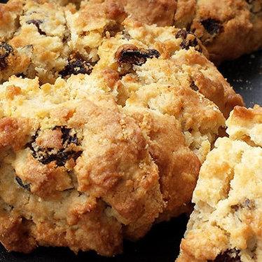 Oatmeal raisin cookie at Levain Bakery