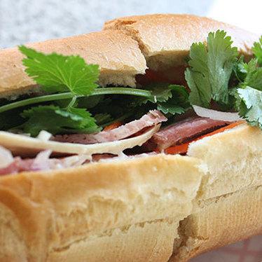 Bánh mì đặc biệt at Ba Le