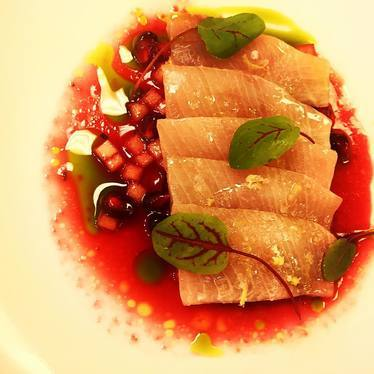 Hamachi / pomegranate / grannysmith Apple/ calabrese chili at Compère Lapin