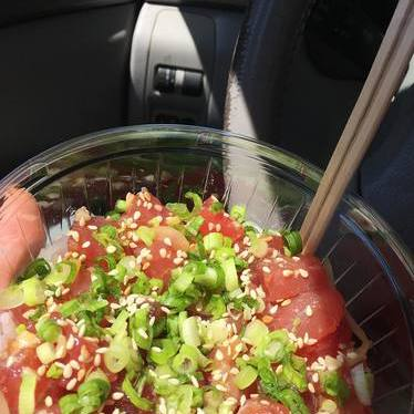 Ahi poke bowl with green onion at Poi Dog Snack Shop