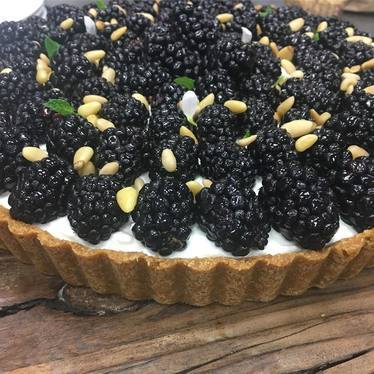 Blackberry and pine nut tart at The Restaurant at Cannon Green