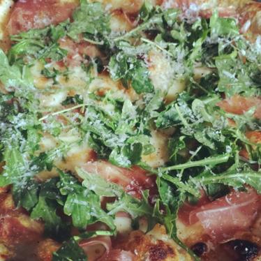 Prosciutto crudo pizza at Redd Wood