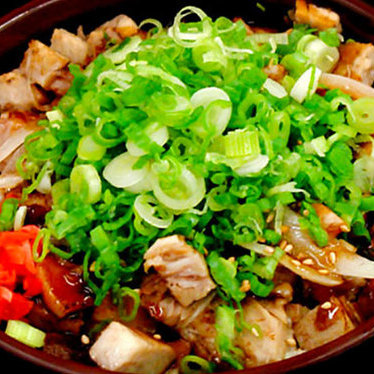 Shredded pork bowl at Daikokuya