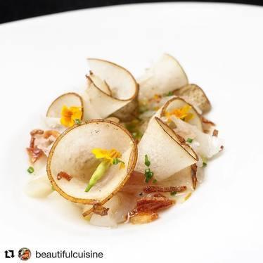 Razor clam ceviche with compressed Asian pear, house made Wagyu lardo and ushiojiro at UNI