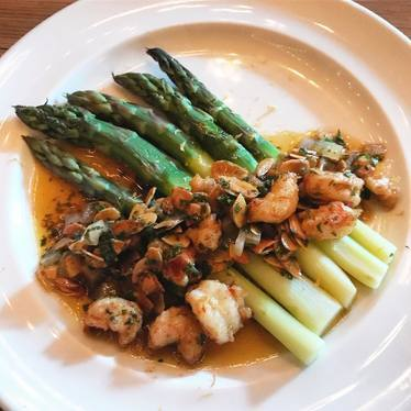 Shrimp and asparagus at Dirty French