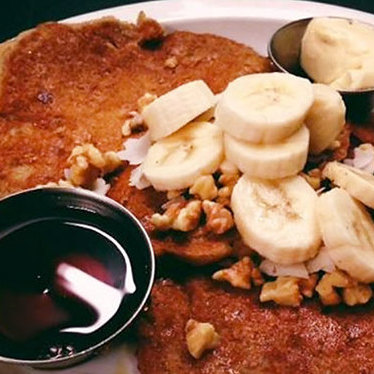 Banana walnut oatmeal pancakes at Harlow