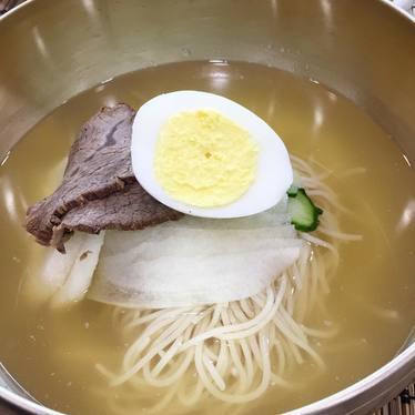 Naengmyun with rice noodles at Hanjan