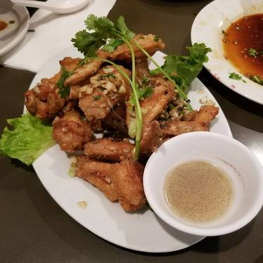 Chicken wings, frog legs, and butter beef at Phnom Penh 金邊小館