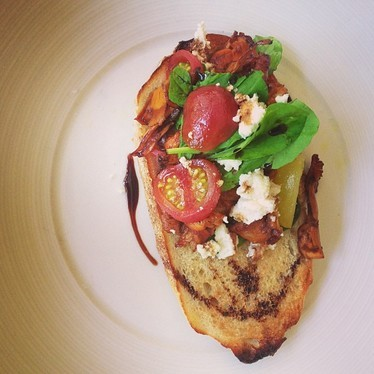 Tartine with chanterelle, tomato, spinach, and cheese at 5&10